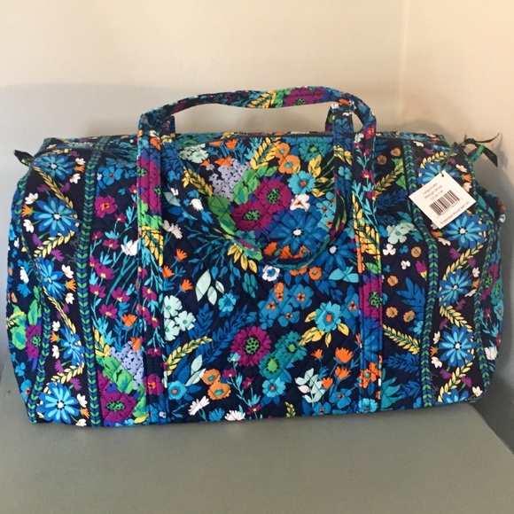 221257cfe027 Vera Bradley Large Duffel Midnight Blues. M 5a875fb6c9fcdf24c57dfb88
